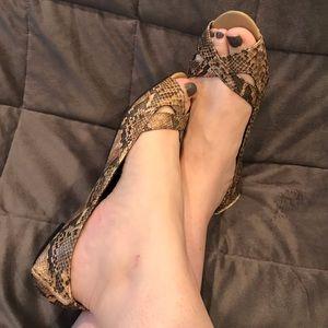 Snakeskin Print Open Toe Flats